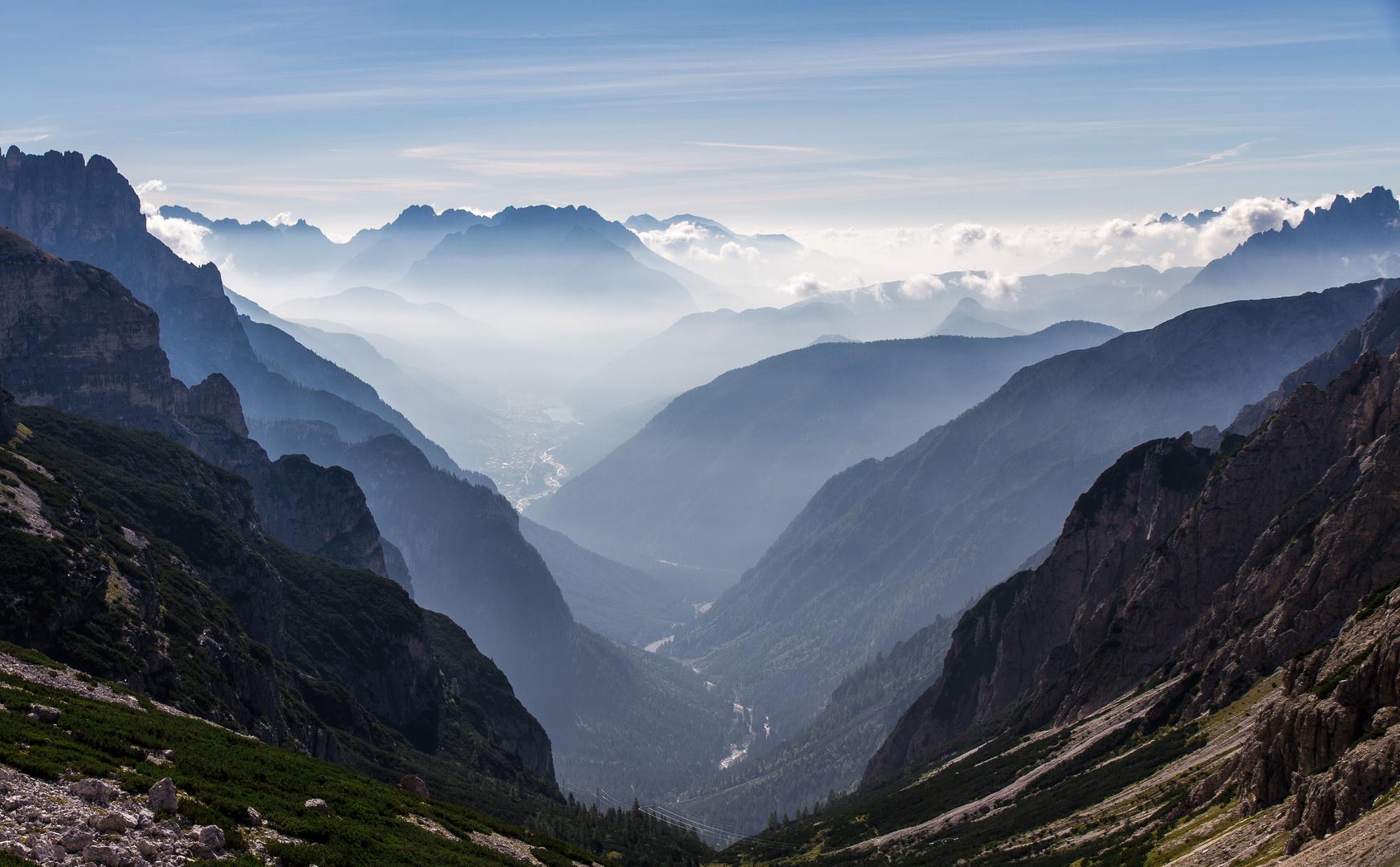 Morgens in den Dolomiten