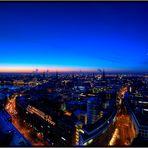 Morgens über Hamburg die Blaue Stunde erwischt.