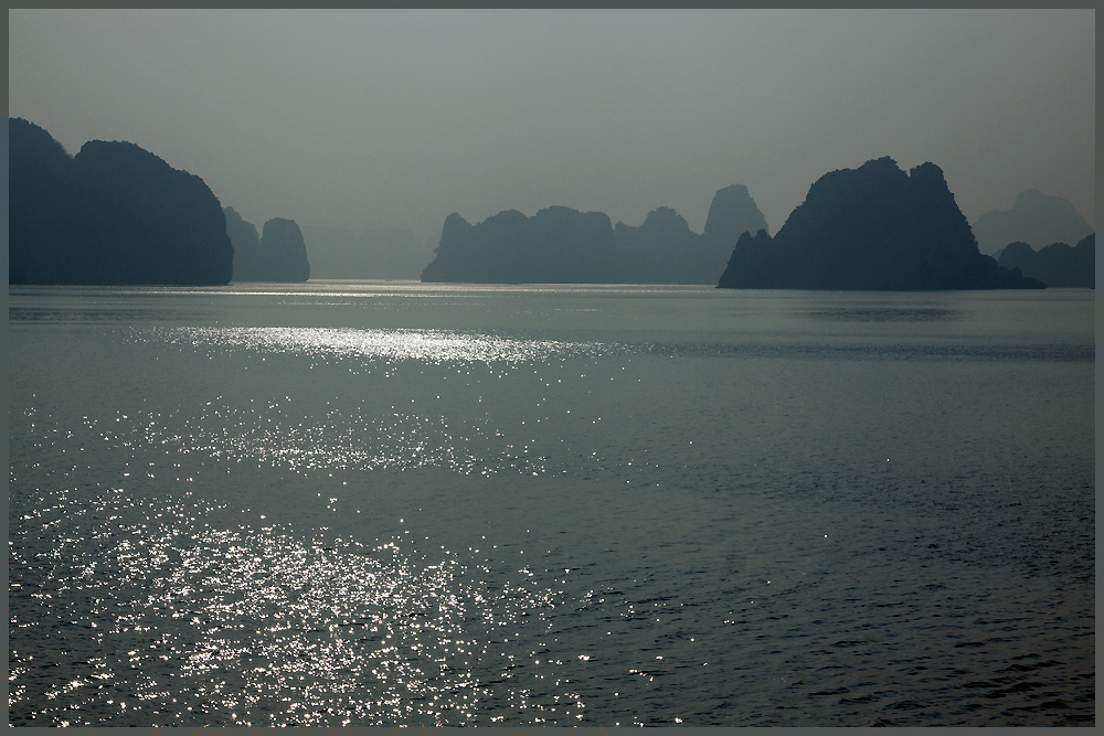 Morgensonne Halong Bay 6.11.11