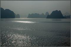 Morgensonne Halong Bay 6.11.11