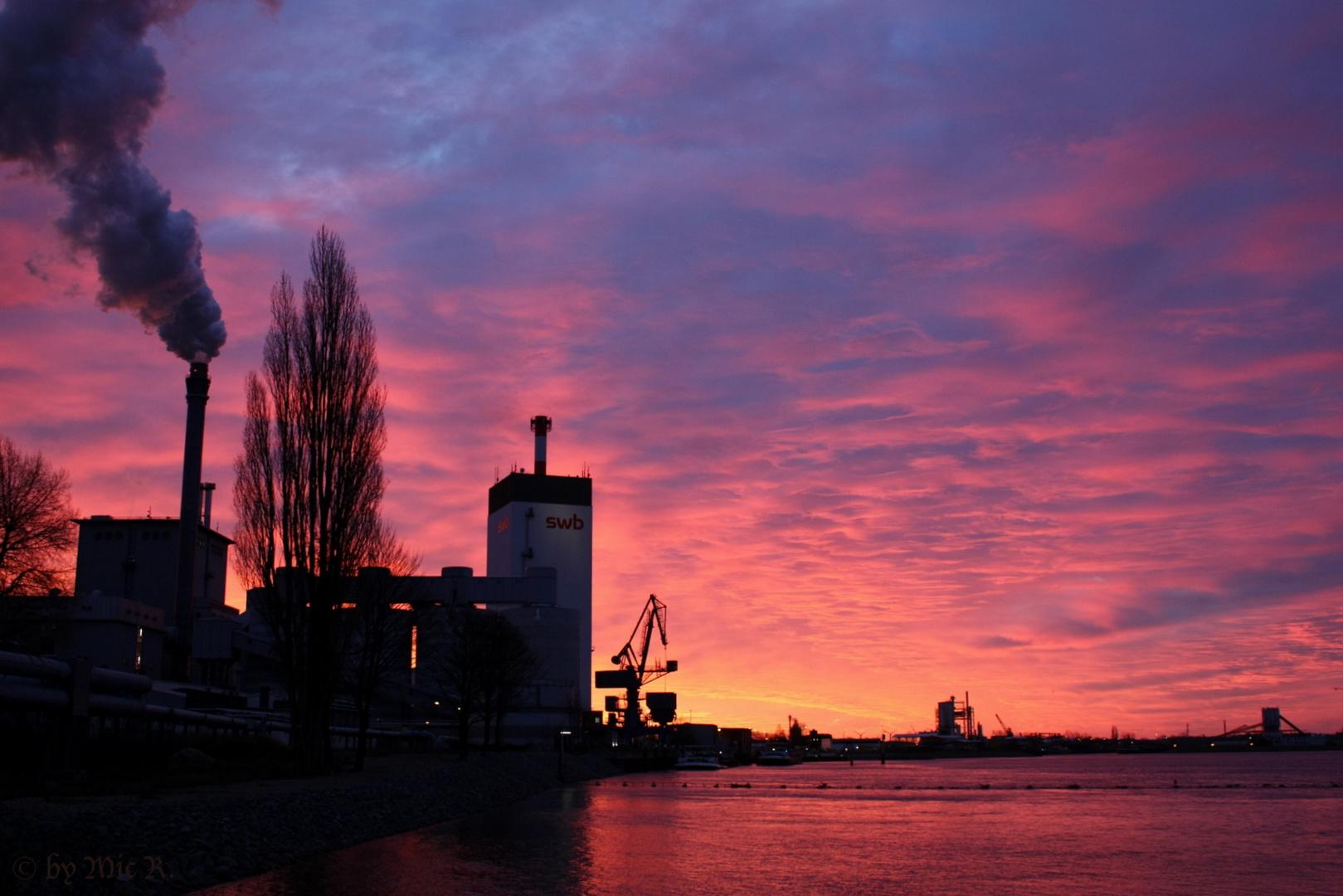 Morgenstimmung über dem Hemelinger Hafen