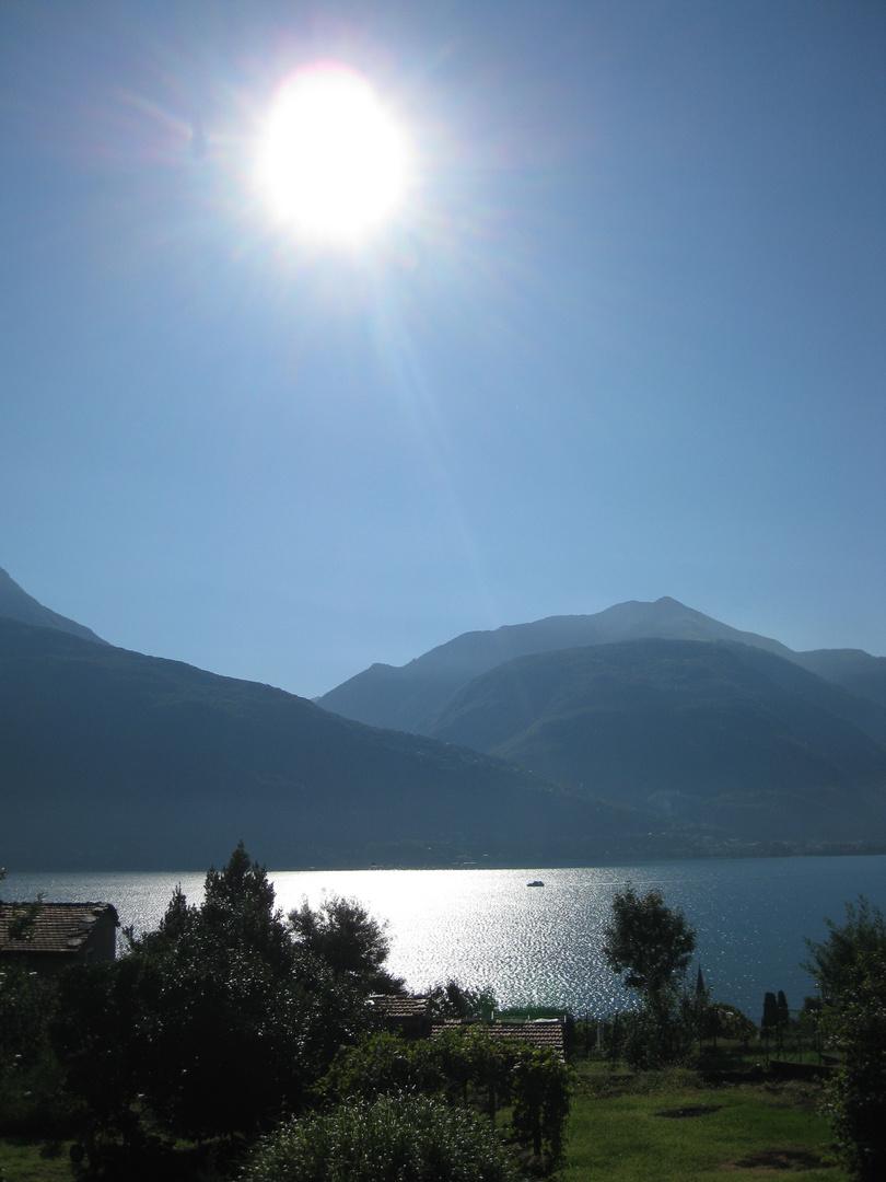 Morgenstimmung über Pianello del Lario / Comer See