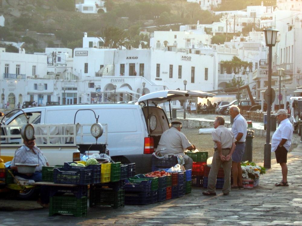 Morgentlicher Markt auf Mykonos
