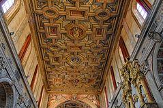 Mosaiken in purem Gold