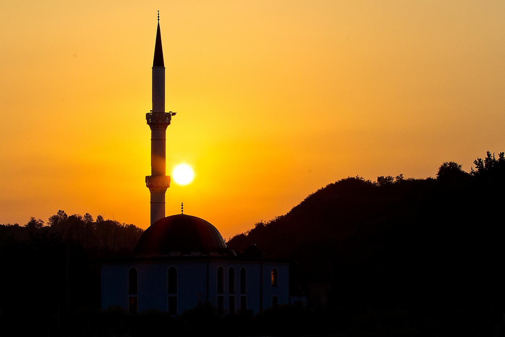 Moschee mit Sonnenuntergang