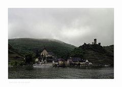 """Mosel - Impressionen """" Blick auf Beilstein, im Regen.."""""""