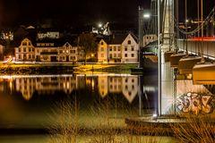 Moselbrücke Wehlen bei Nacht