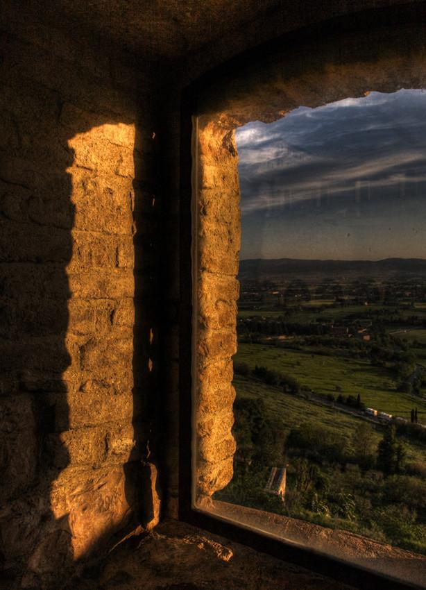 """Mostra collettiva: """"Tra le mura di Assisi"""" - 12. Dalla finestra... il sole"""