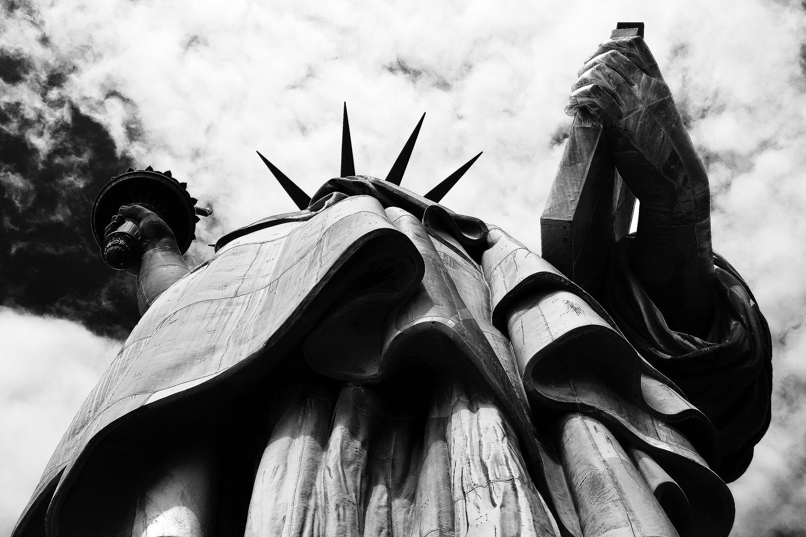 "Mostra online di B. Monica ""Newyorking"" - 10. Under liberty"