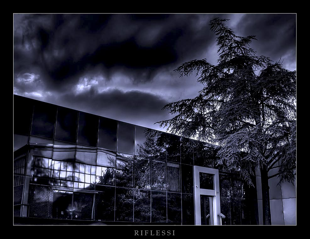 "Mostra online di Gero Merella: ""Tonificare"" una foto - 4. Riflessi"