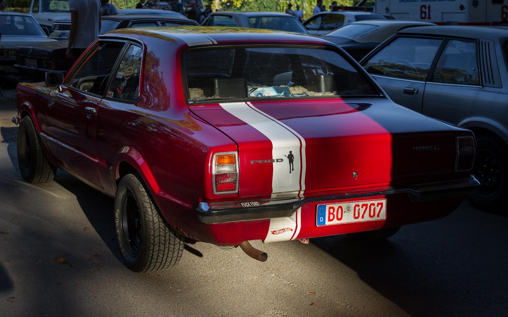 Motorhaubensitzen-V20