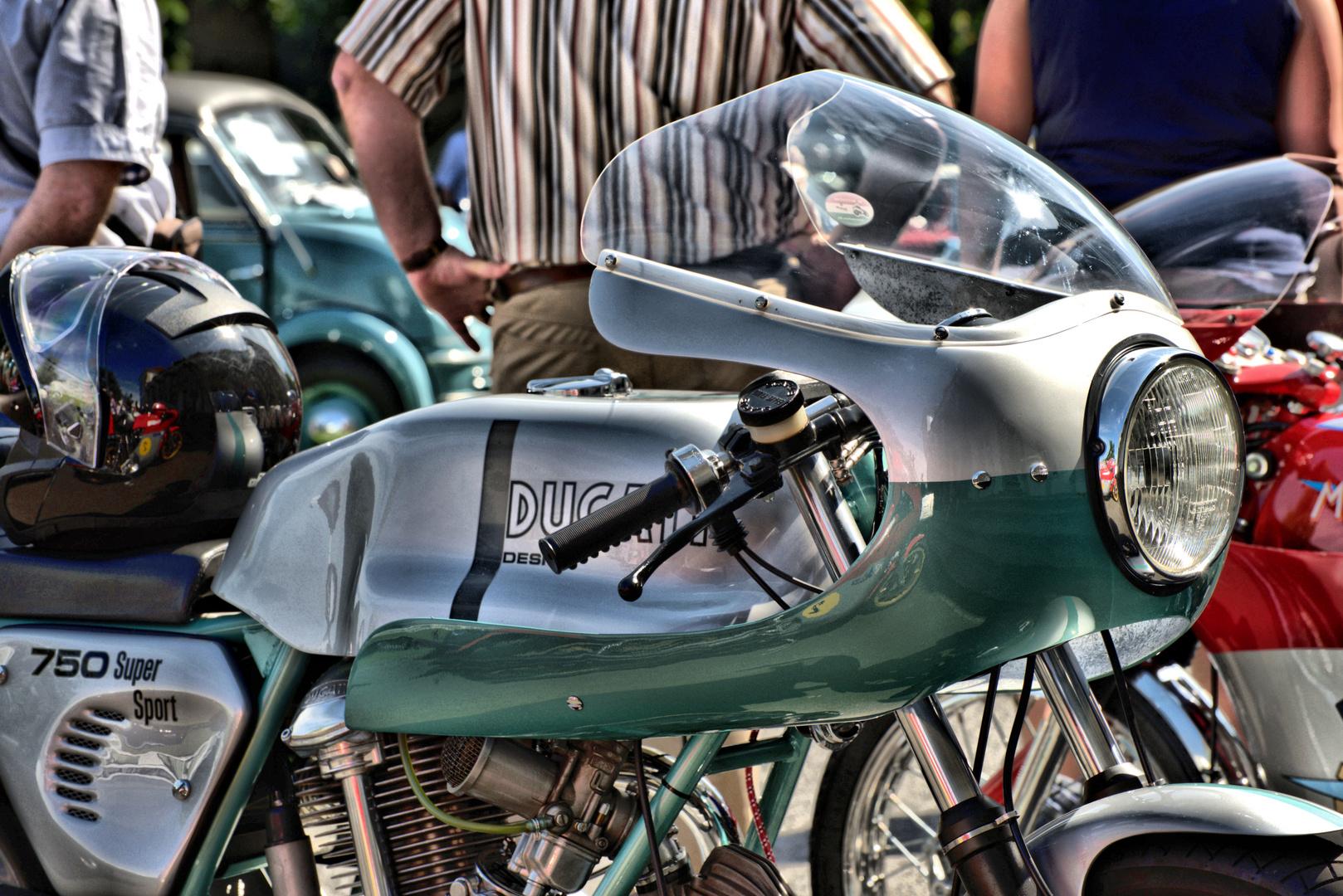 Motorrad Dokumentation