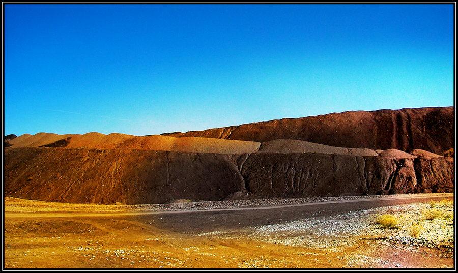 MOUNTAIN WASTE DUMP..........................3