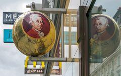 Mozart kugelt sich
