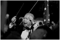 Mr. Da Wang conducting