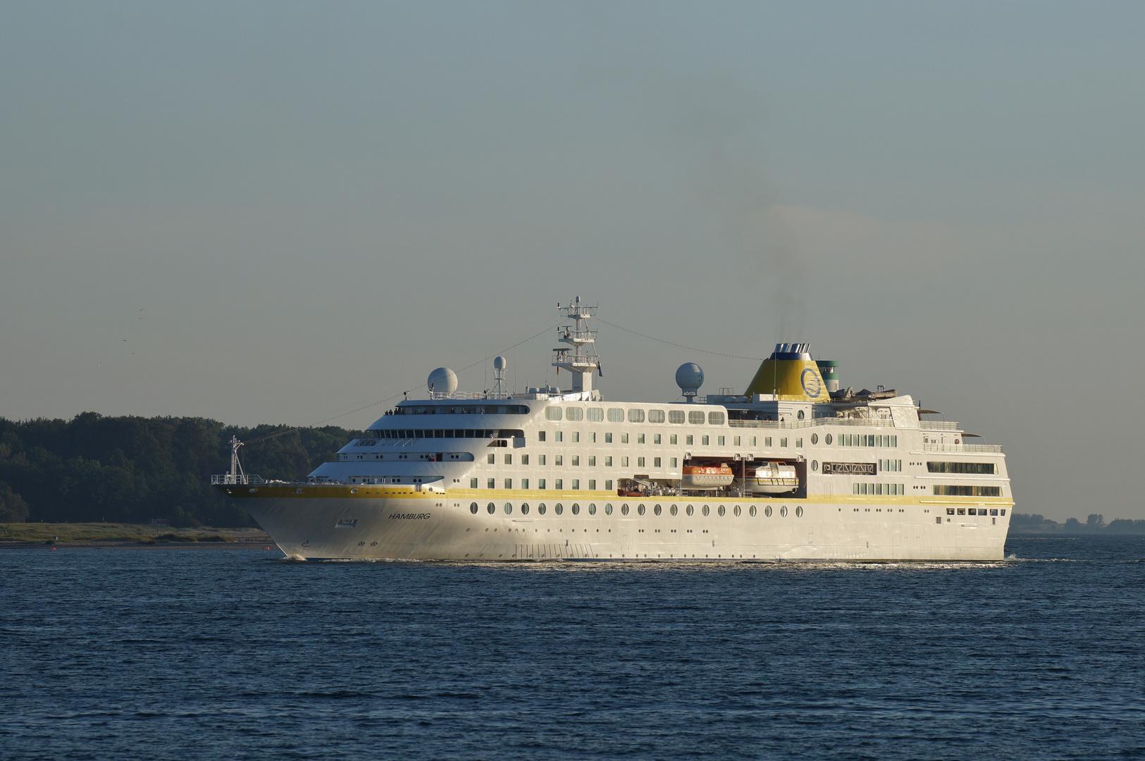 MS Hamburg läuft in Kiel ein / Bild 3
