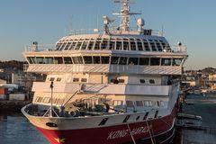 MS KONG HARALD im Hafen von Trondheim