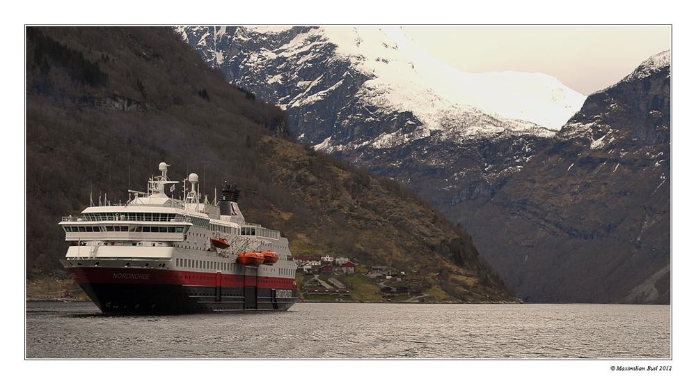 MS Nordnorge im Geirangerfjord