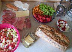 (MT) ..aber nur Spargel-Erdbeer-Salat war meiner Frau zu mickrig (2)