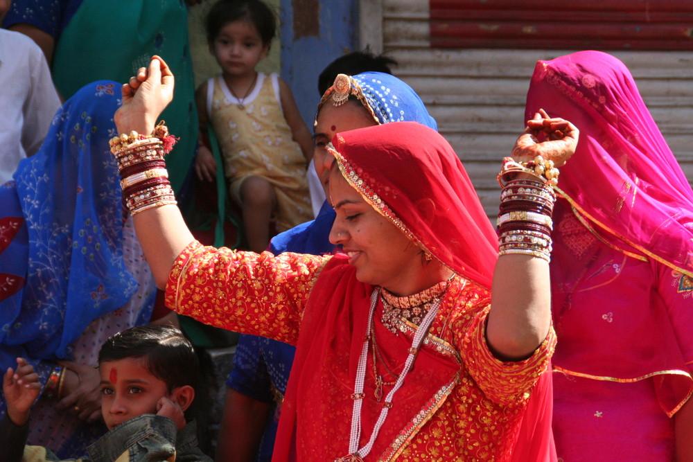 MTF 20Fotos Strassenhochzeit 3 in Rajasthan,eine Tänzerin