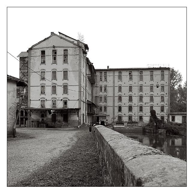 Mühle, Dame und 3 Herren