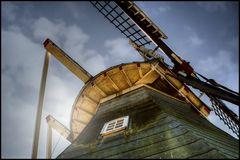 Mühle im Gegenlicht