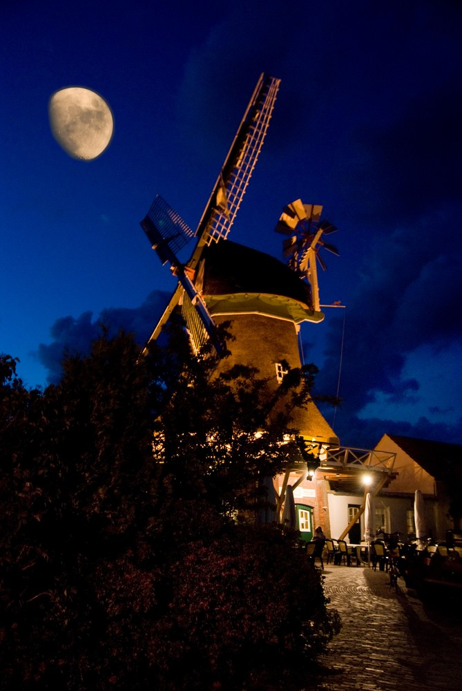 Mühle im Mond