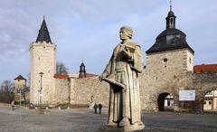 Mühlhäuser Stadtmauer mit Thomas-Müntzer-Denkmal