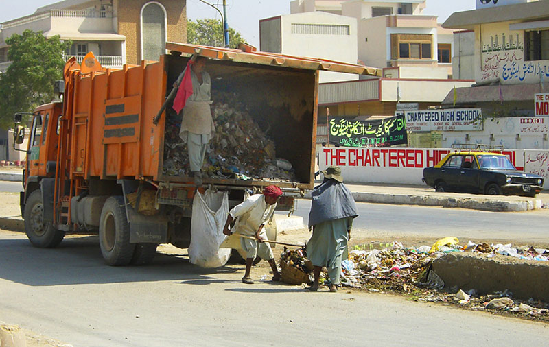 """Müllabfuhr - """"in einer andern Welt"""""""