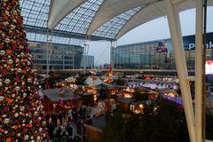 München Flughafen Airport Center Weihnachtsmarkt 2014 .......
