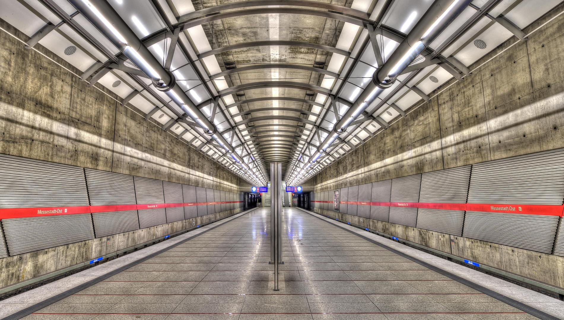 München Linie U2 Station Messestadt Ost Foto Bild