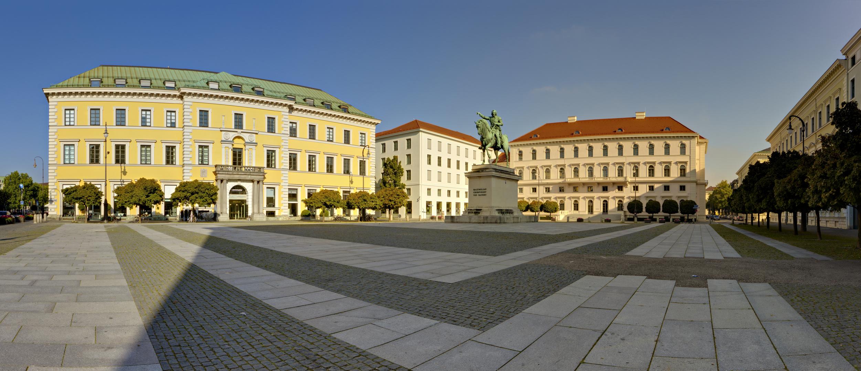 m nchen wittelsbacherplatz foto bild deutschland europe bayern bilder auf fotocommunity. Black Bedroom Furniture Sets. Home Design Ideas