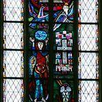 """Münchner Frauenkirche - Fenster mit Ausschnitt aus der """"Apokalypse"""""""