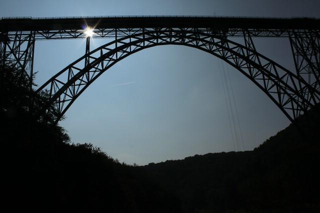 """""""Müngstener Brücke"""" über die Wupper zwischen Remscheid und Solingen"""