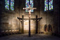 Münster St.Paul ESSLINGEN : Schatten-Kreuzigung