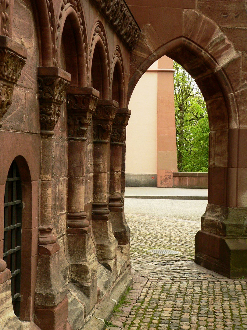 Münsterdurchgang - Basel