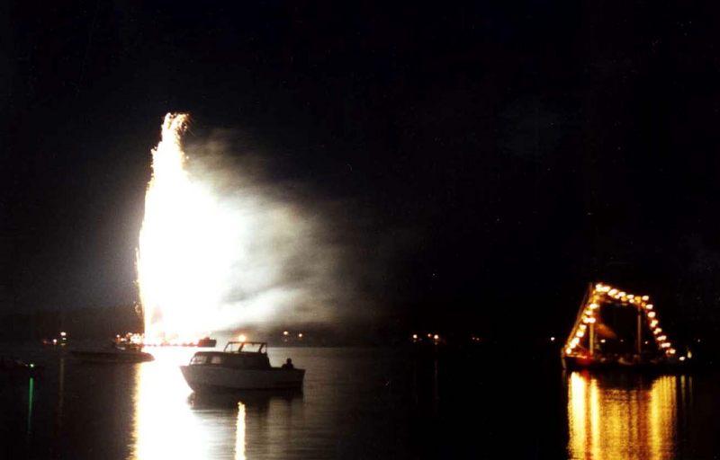Müritz-Fest 2002 Feuerwerk auf der Binnenmüritz