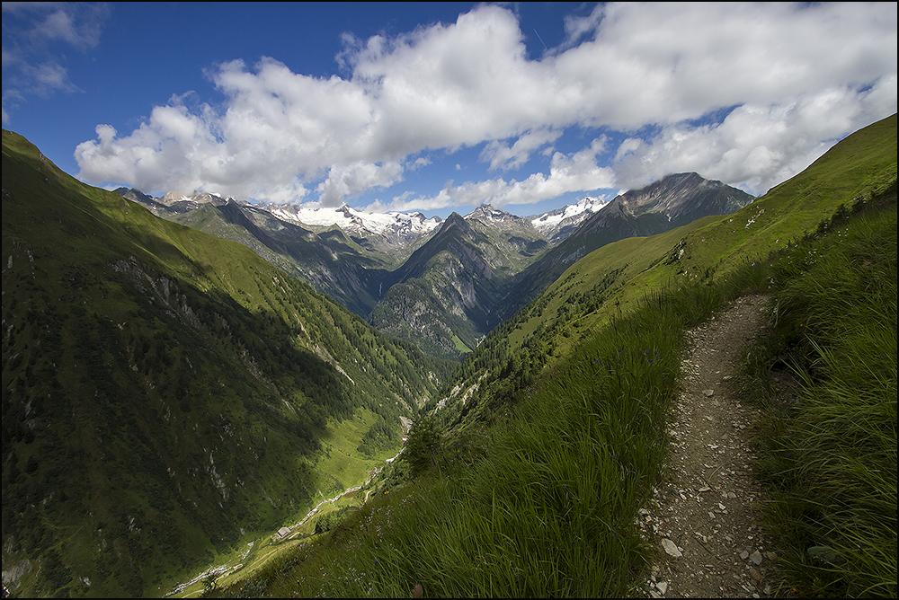 Muhs Panoramaweg, im Lasnitzental, Blick zu Großvenediger und Simonyspitzen