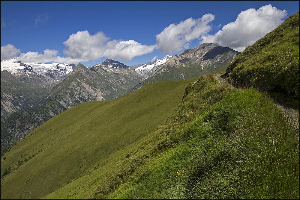 Muhs Panoramaweg mit Blick zum Großvenediger und Simonykees