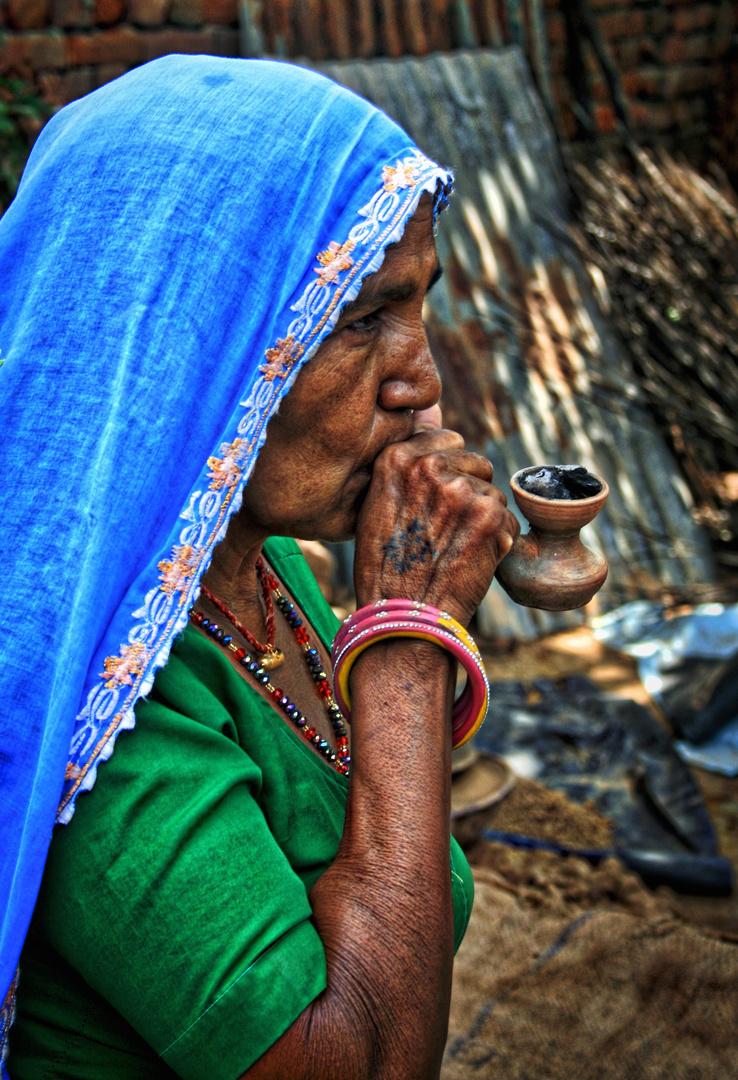 Mujer con pipa