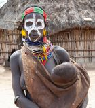 MUJER KARO CON NIÑO ETIOPIA