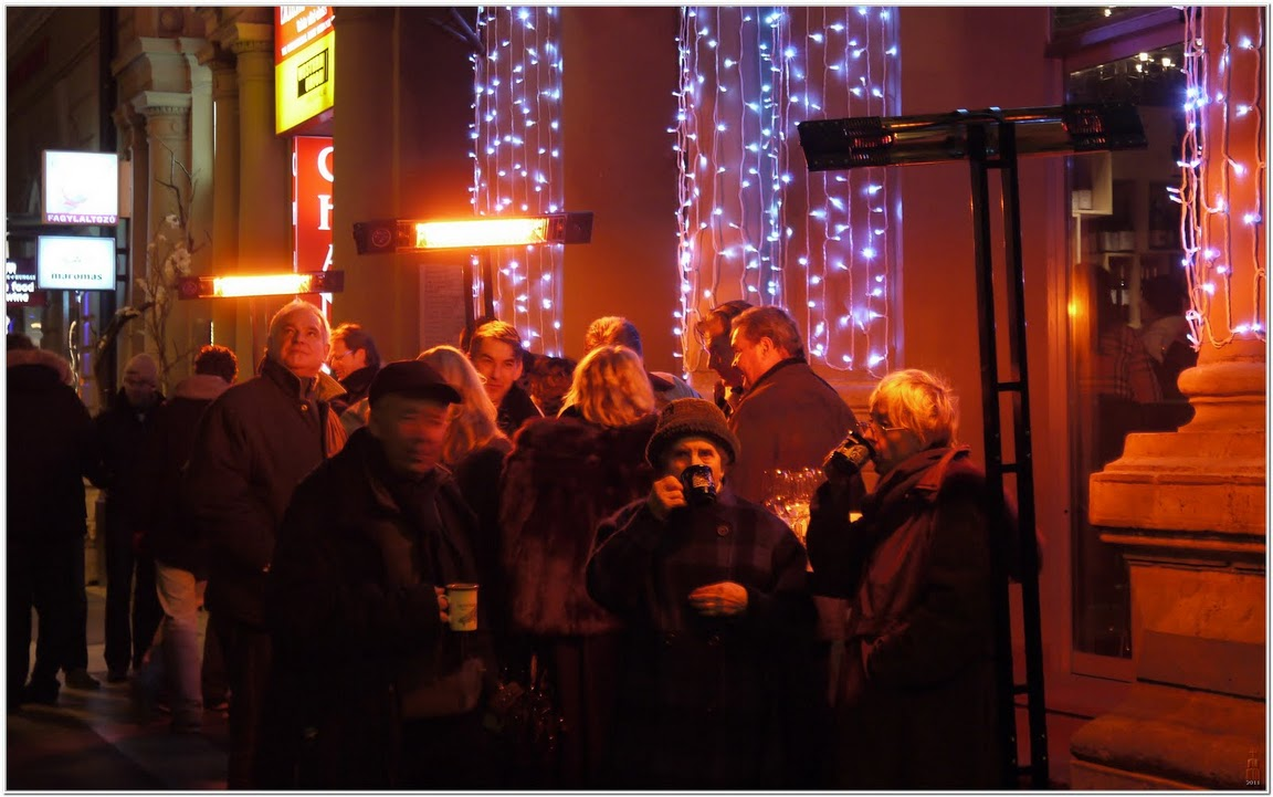 Mulled wine drinkers