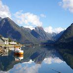 Mundal am Fjærlandfjord