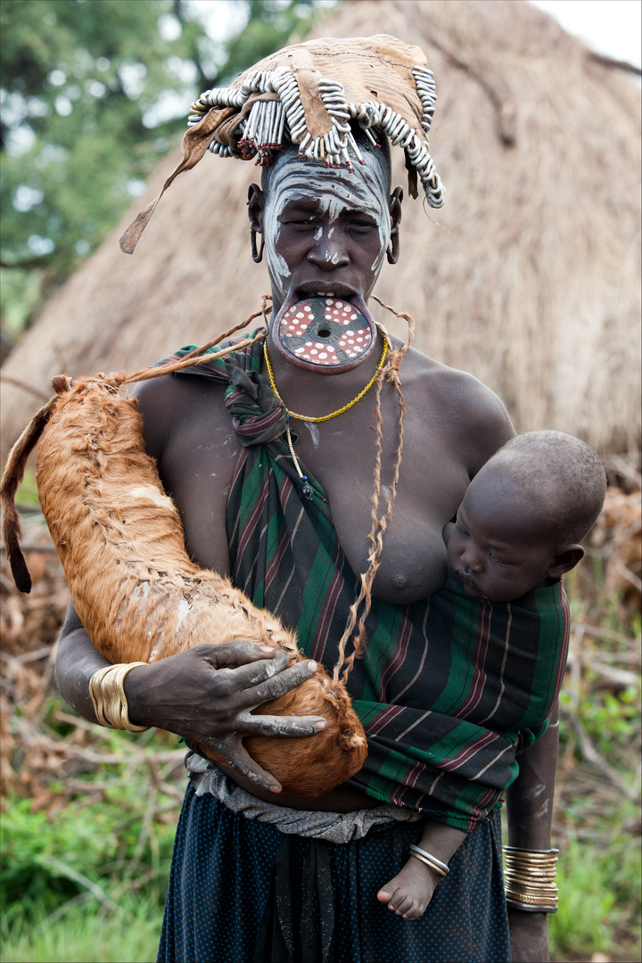 [ Mursi Tribe Woman with Child ]