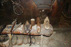 Museo etnográfico de Piornedo: zuecas