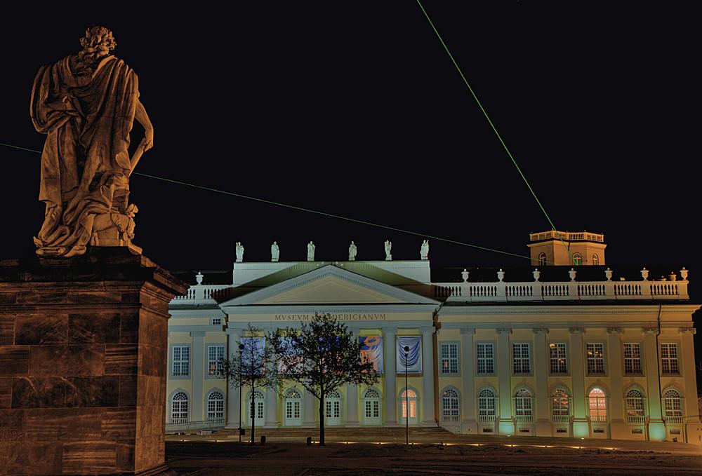 Museum Fridericianum und Laserscape in Kassel