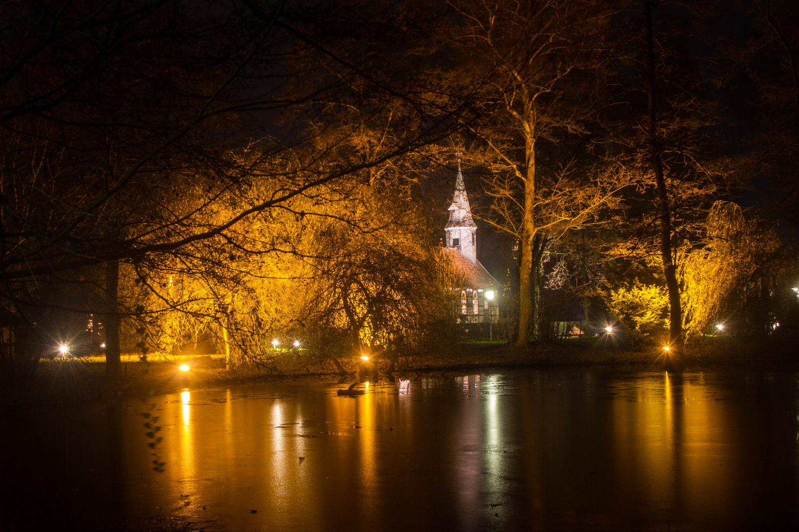 Museumsdorf bei Nacht