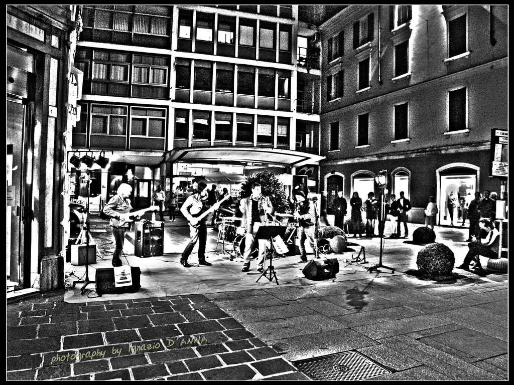 Music on way hdr