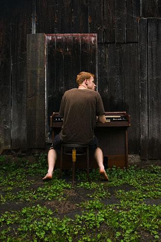 Musician   www.qr5.org