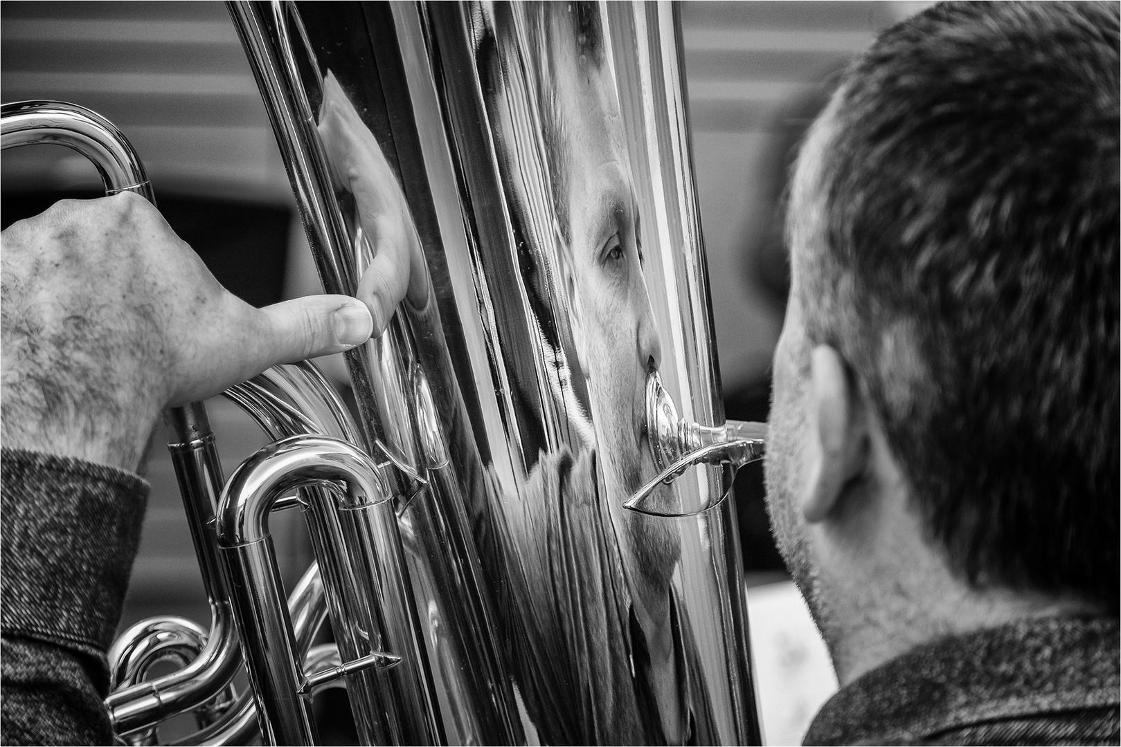 ... Musik im Spiegel ...